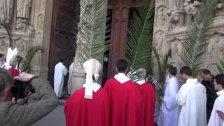 Notre Dame de Paris. Le dimanche des Rameaux. Le rituel de l'ouverture des portes