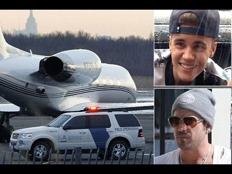 "Pilots On Justin Bieber's ""Pot Plane"" Were Forced To Wear Oxygen Masks"
