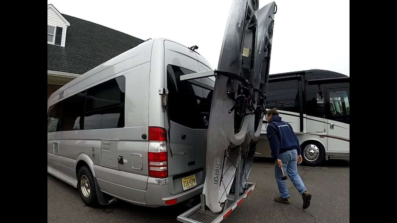 Motorhome Kayak Roof Rack - 12.300 About Roof