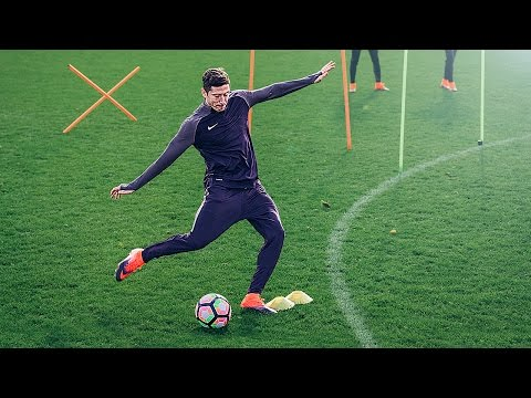 Lewandowski vs freekickerz vs Aubameyang - Football Challenge
