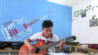 Triệu đóa hồng (tập guitar tại GPT school)