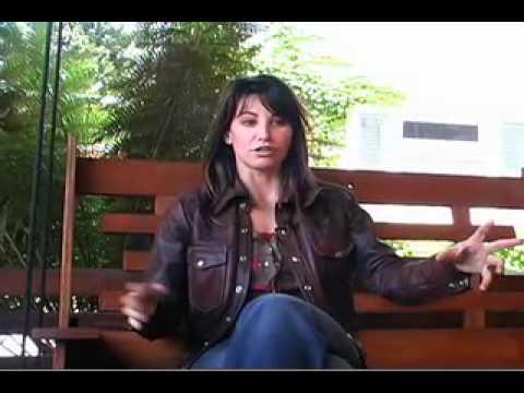 Gina Gershon Interview (Part 1)