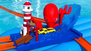 Hot Wheels Octopus Pier Attack In Pool!