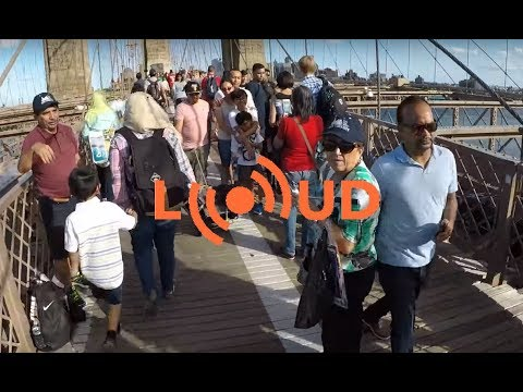 Bicycling a crowded Brooklyn Bridge with the Loud Bike Car Horn