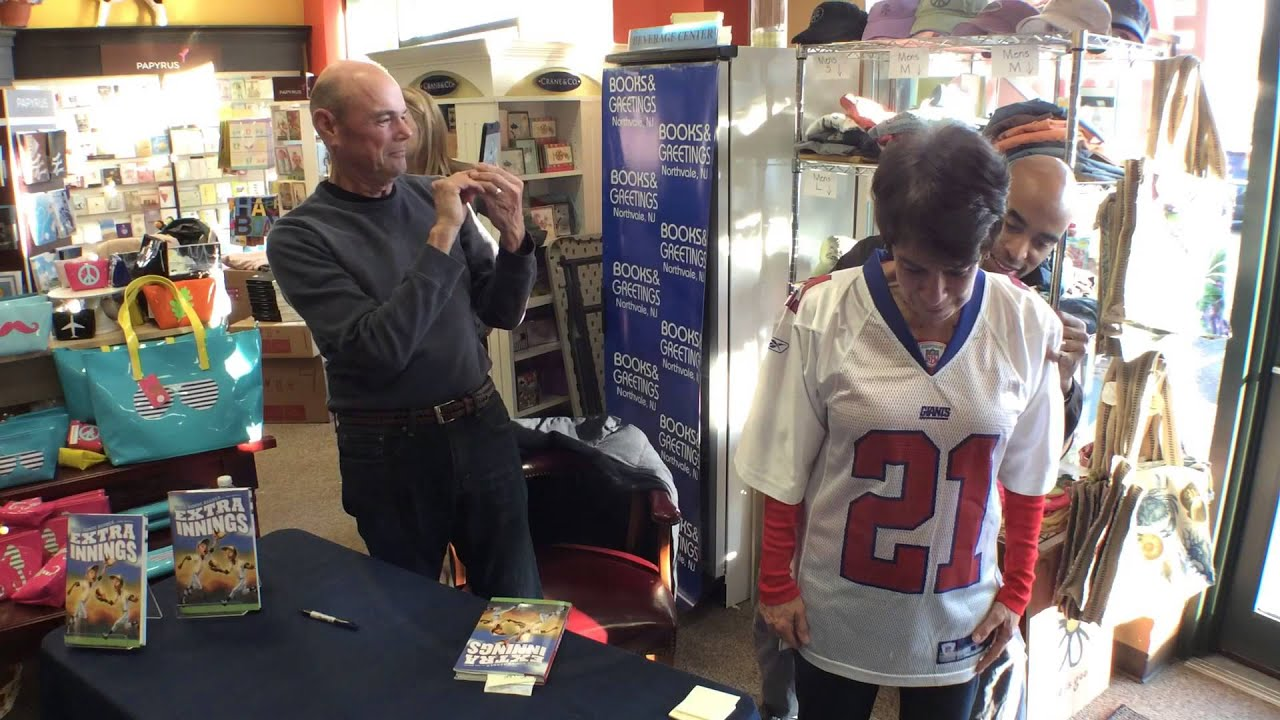 Books and greetings signing tiki barber on beterrific youtube books and greetings signing tiki barber on beterrific m4hsunfo