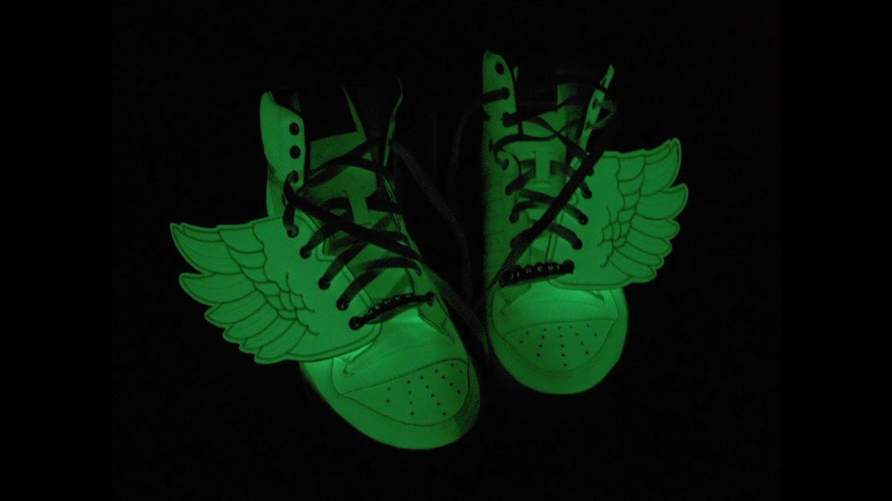 timeless design ff6f0 015d1 Jeremy Scott Adidas glow in the dark - YouTube