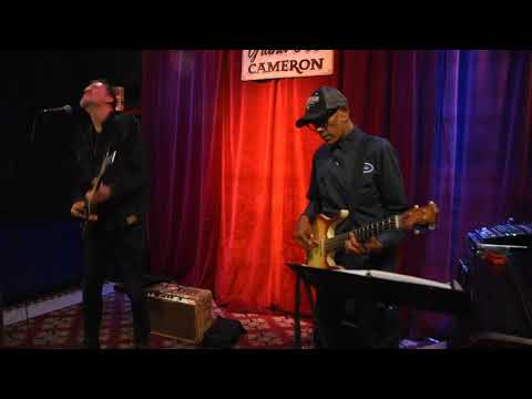 "Kevin Breit and Ian De Sousa - ""So Insincere"" -video Richard Sugarman"