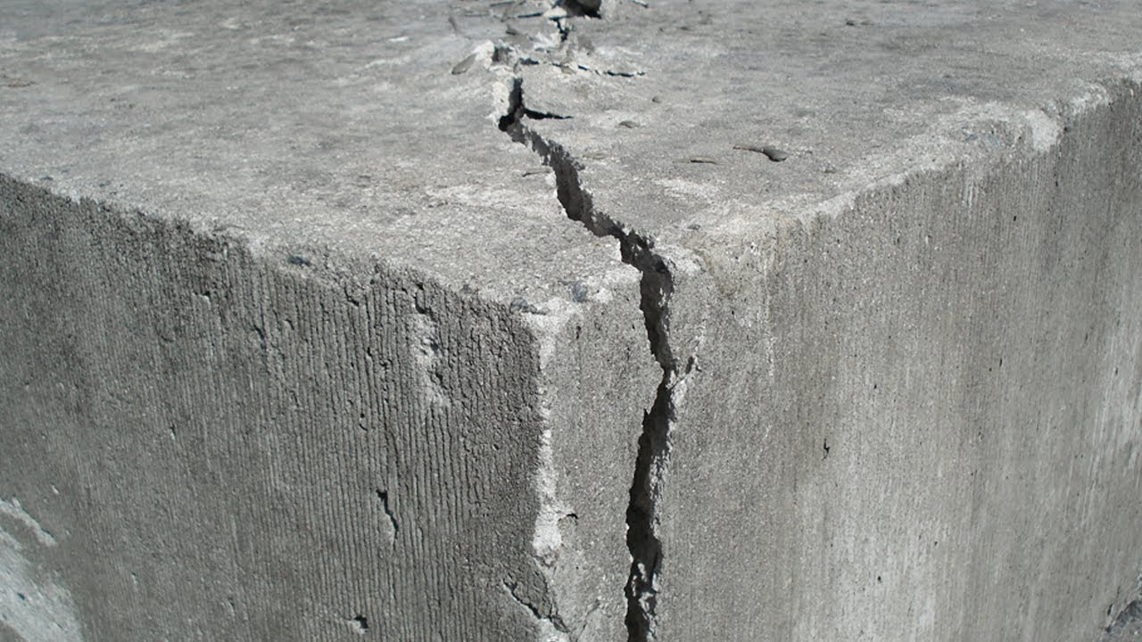 Break concrete with concrete demolition powder the cracker for Concrete freezing