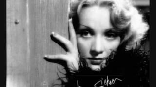 MARLENE DIETRICH sings DIE WELT WAR JUNG (When the World was Young), 1962