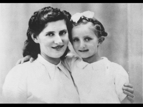 My Yiddishe Momme   (sung in yiddish) Regine Zylberberg