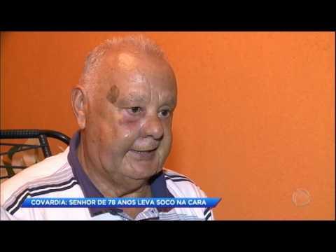Bandido em liberdade condicional agride idoso de 78 anos na rua