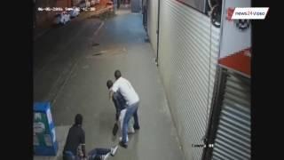 WATCH: Security chase muggers, make arrest in Joburg CBD