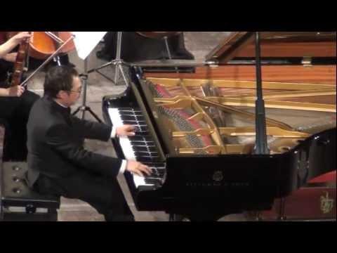 Dang Thai Son plays the Emperor Concerto