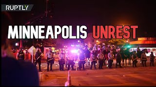 Tear gas & rubber bullets | Clashes between riot cops & protesters take over Minneapolis