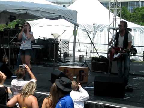 Gloriana at Riverfront Stage 2010- Lead Me On
