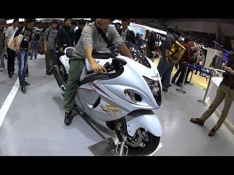 The Suzuki 2017 Motorcycles Show Room Japan Youtube