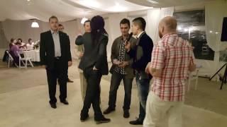 Какая свадьба без ...?! Видео снято гостями. Встреча, букет, подвязка, торт, работа ведущего