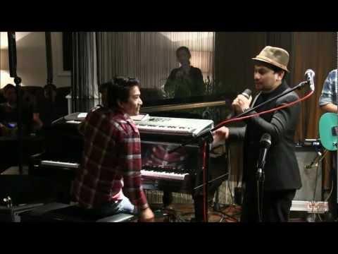 Tompi ft. Ari & Indra Lesmana - Menghujam Jantungku @ Mostly Jazz 17/02/12 [HD]