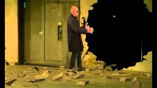 Фрагмент клипа.Спецэффект со стеной и героем