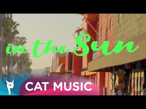 Alexie Divello & Peet Syntax feat. Chris L - Laugh in the sun (Lyric Video)