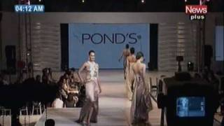 Pakistani Models Catwalk For Ponds Fashion Show