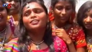 Hyderabad Youth at dussehra 2014 |Festival Josh in Hyderabad Youth : TV5 News
