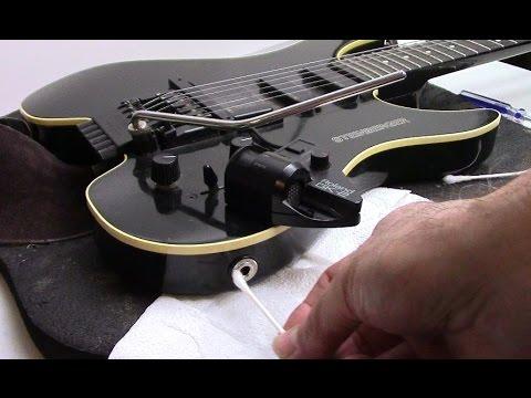 how-to-clean-a-guitar-plug-/-guitar-phono-jack-repair