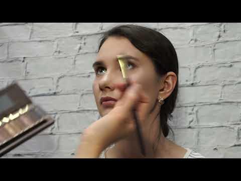 Легкий макияж (глаза, брови, губы)