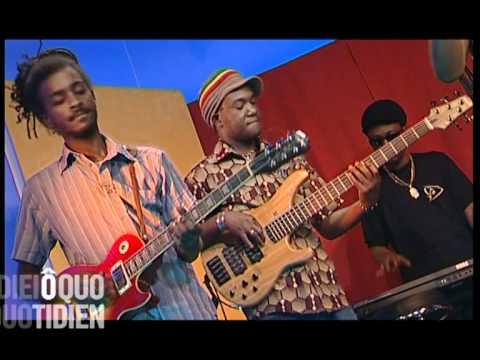 RAS DUMISANI ON TV SING JAH JAH CHILDREN  ( FRANCE O QUOTIDIEN )