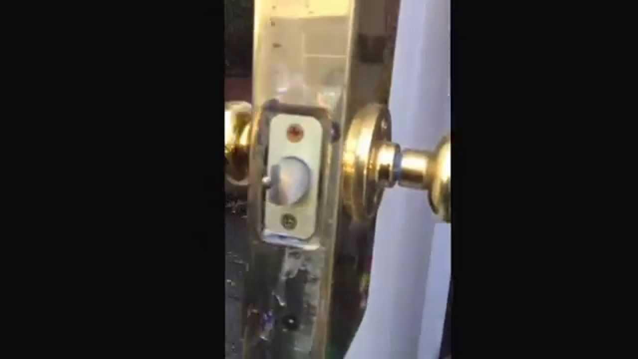 Replacing old Weiser keyed knob & Replacing old Weiser keyed knob - YouTube