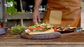 Vegetarische sandwich met zelfgemaakte Hummus en gegrilde groenten - Big Green egg