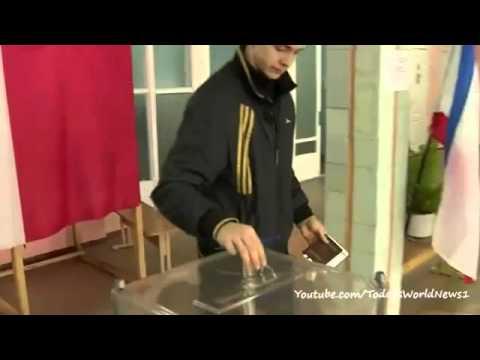 Crimea referendum: Voters 'back Russia union'