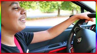 JE FAIS CONDUIRE MA CLIO 4 RS A MOMO !