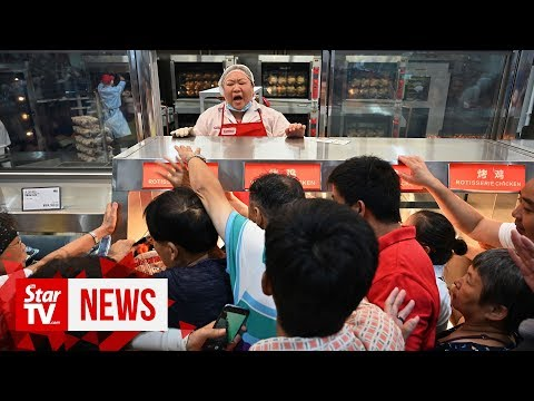 Ross Kaminsky - Customer chaos as China's first Costco shop opens