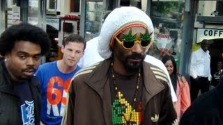 Snoop Dogg & Zoon Julian Naar De Bulldog