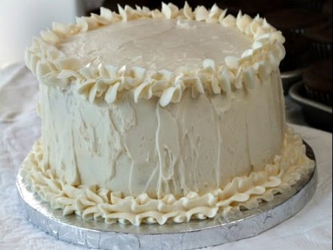 wedding-cake-recipe---white-almond-wedding-cake