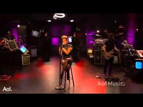Rihanna - Take A Bow  AOL Session 2010 (HQ Live)