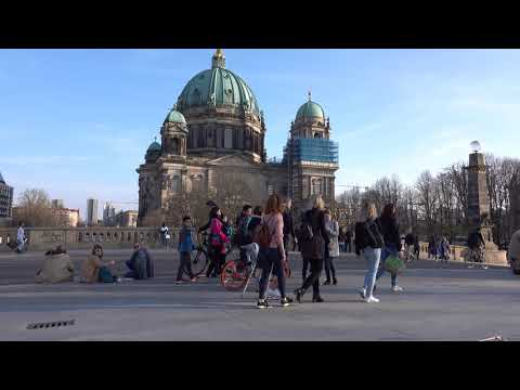 """liv-summer-""""down-by-the-water""""---amazing-voice-(streetmusic-berlin-(2019-03-30)"""