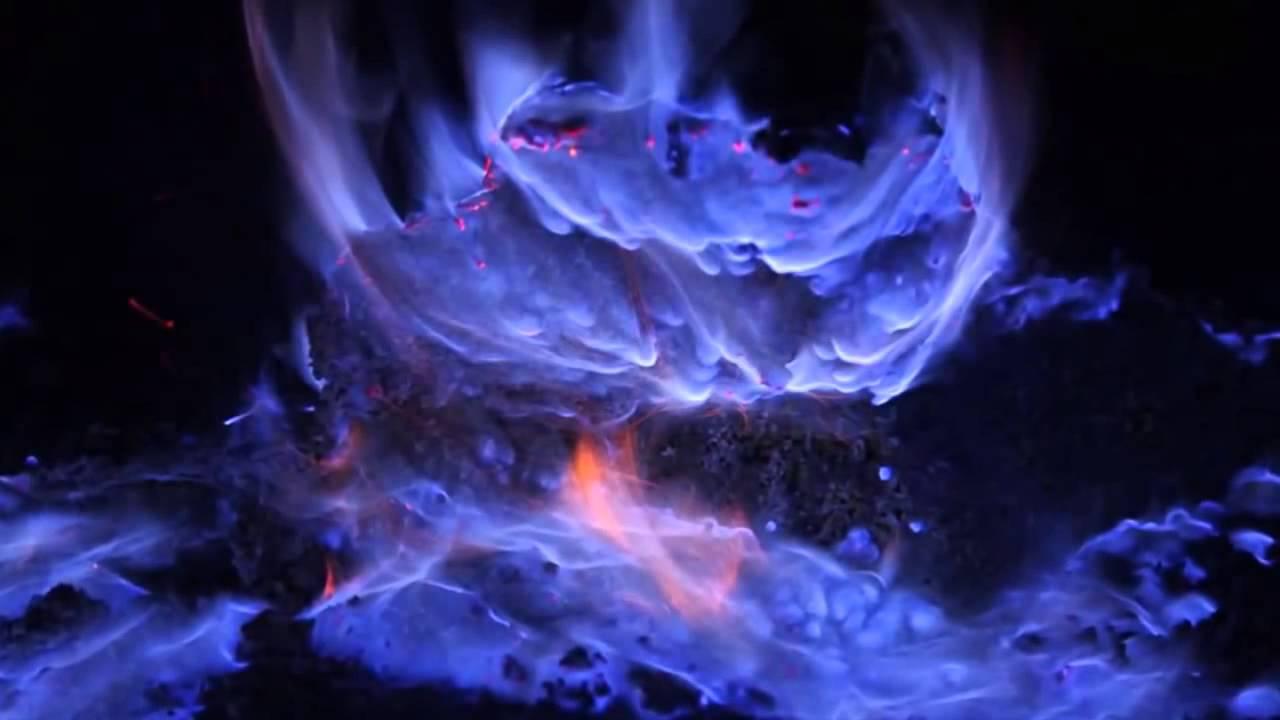 Resultado de imagem para Lava azul de vulcão fotos