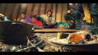 Как НА СЕВЕРЕ принимают ГОСТЕЙ (ХАНТЫ). Рыбалка - мечта каждого КЛЮЕТ на КАЖДОМ ЗАБРОСЕ!