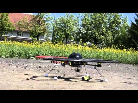 Quadrocopter load intake and remote release