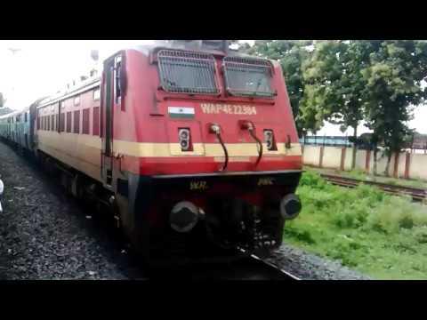 Porbandar Howrah ARADHANA Express Meets Bilaspur Nagpur Intercity Express At Bilaspur Outer