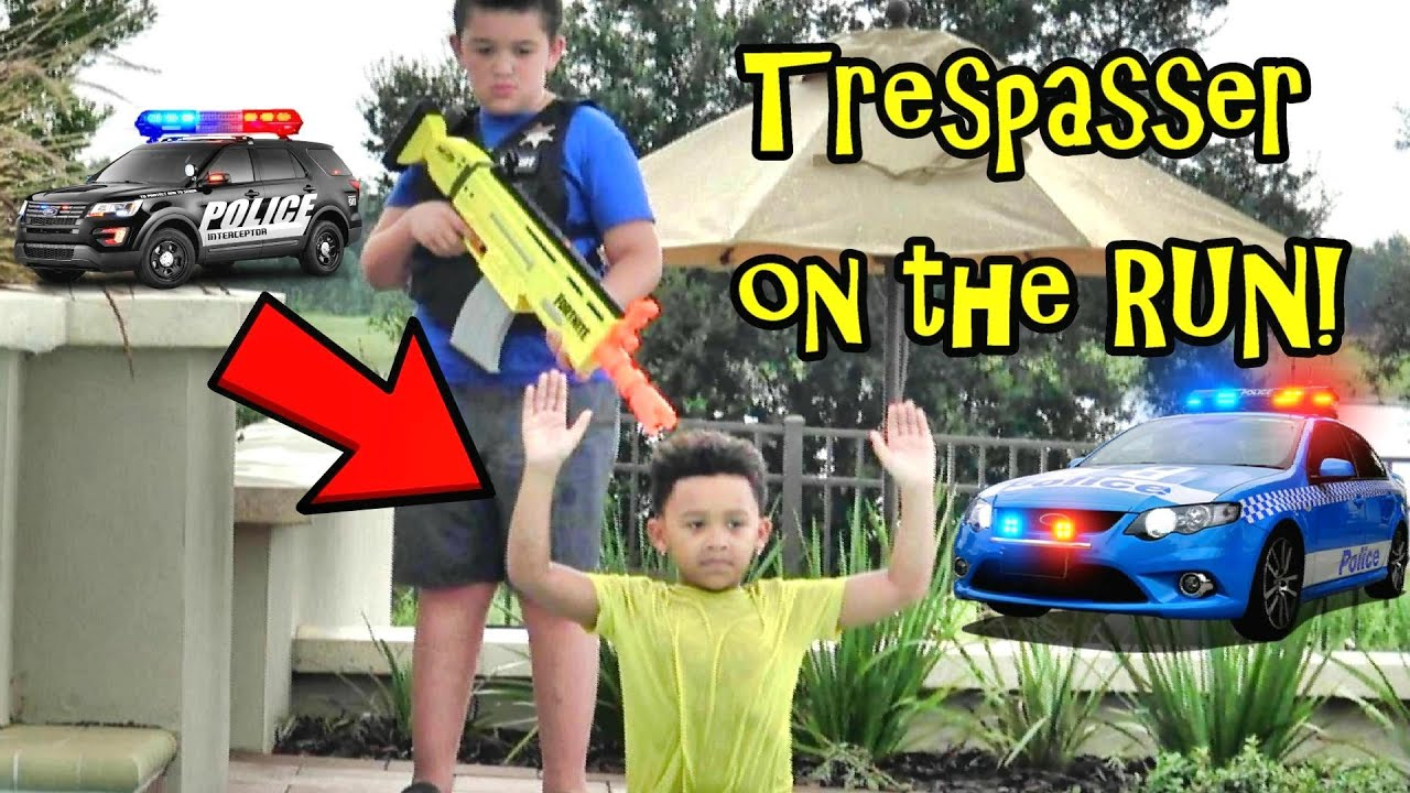 Download COP KIDS CHASE TRESPASSING KID!
