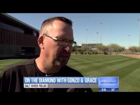 Gonzo selected for Latin American Sports Hall of Fame; Mark Grace talks about future as coach