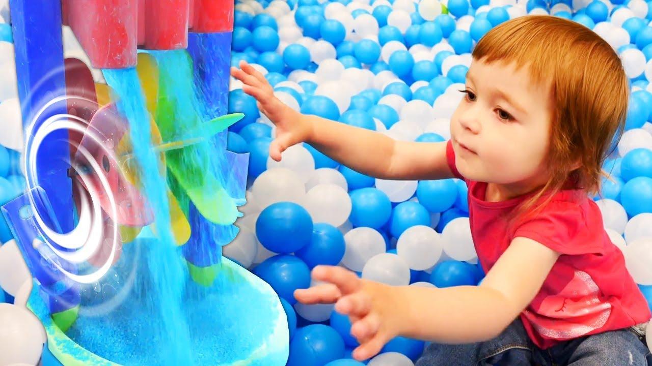Привет, Бьянка: в игровом центре. Детские песни - играем вместе.