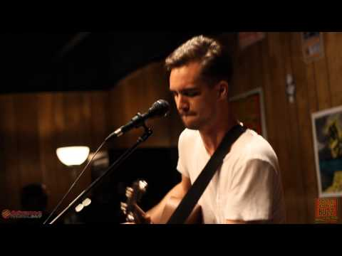 102.9 The Buzz Acoustic Session: Panic! At The Disco - Miss Jackson