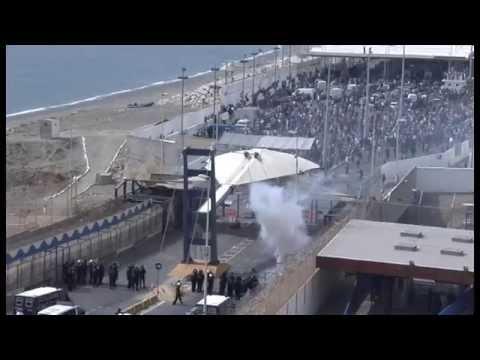Antena 3 TV. Incidentes en frontera Ceuta por avalancha porteadores. 15-07-14