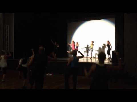 Sigue Moviendo – Zumba Video Contest 2015 – Nella Del Castillo