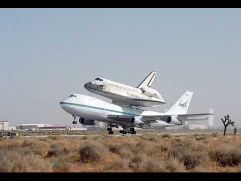 Cận cảnh Boeing 747 của NASA chở Tàu con thoi hạ cánh