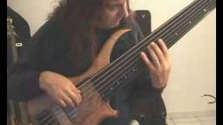 prelude in g of j s bach on a 7 strings fretless bass